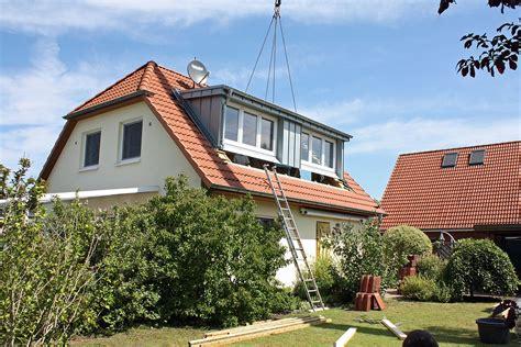 Moderne Häuser Mit Gauben by Flachdachgauben Fertiggauben Mit System Sps Gauben