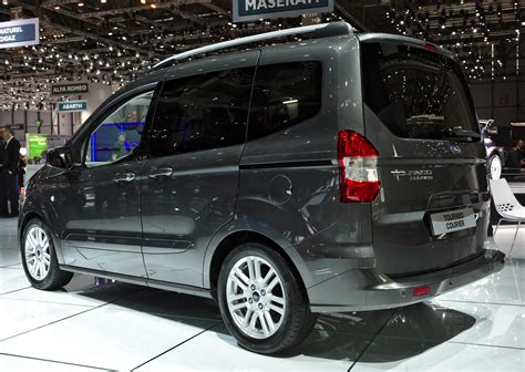 ford tourneo courier 2018 file ford tourneo courier back genf 2018 jpg wikimedia commons