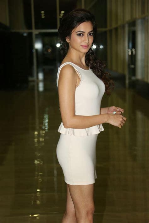 dress zara v kriti kharbanda photo gallery in dress at