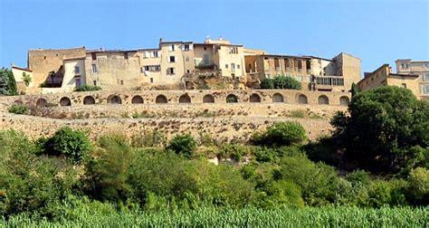 la chambre d hotes gordes luberon en provence tourisme visite hébergements