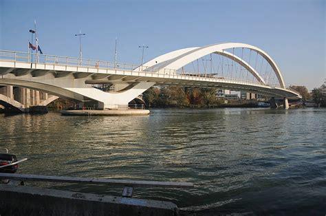 les ponts du rh 244 ne 224 v 233 lo visiter lyon d 233 couverte de la ville des lumi 232 res