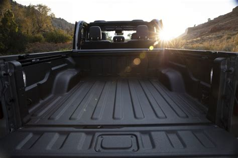 supercars gallery  jeep gladiator bed liner