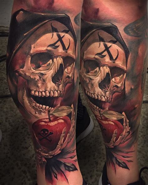 amazing  skull  apple tattoo   leg
