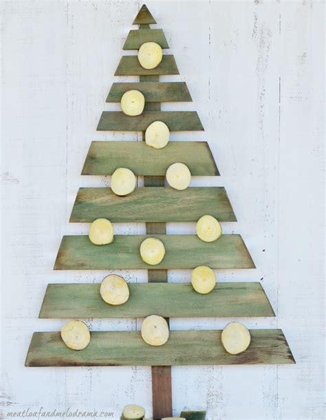 meatloaf and melodrama diy wood pallet christmas tree