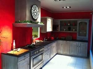 Decoration de cuisine rouge for Deco cuisine avec acheter des chaises de cuisine