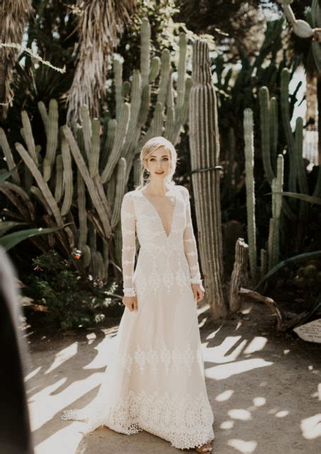 Julia Lace Bohemian Wedding Dress Dreamers And Lovers