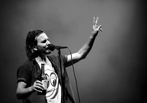 pearl jam cantano frozen wired