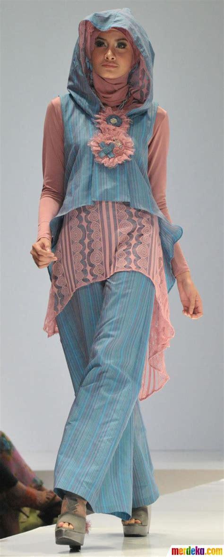 dress cantik 001 foto fashion show busana muslim merdeka