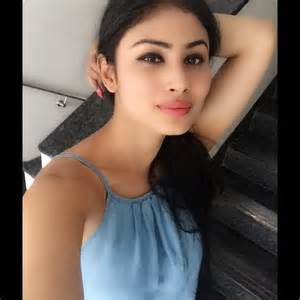 makeup artist course tv mouni roy images in hd