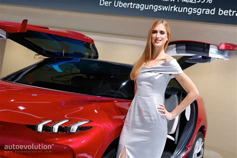Carmakers Drop Booth Girls For The 2018 Geneva Motor Show