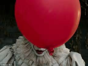 The Stand Miniseries Online by New Images Of Pennywise From Stephen King S It Released