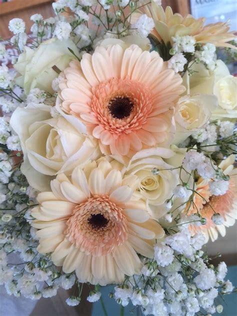 Wedding Bouquet Arrangement Gerber Daisiesroses Babys