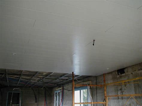 plafond salle de bain hydrofuge pose de plafond pvc brico l 244 services