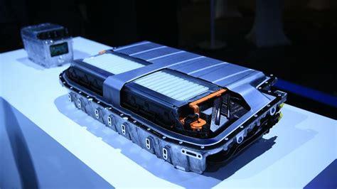 e auto batterie die e auto batterie ist brandgef 228 hrlich und schwer recyclebar