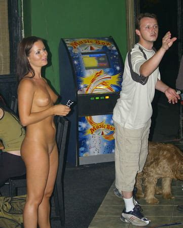 Nude Darts
