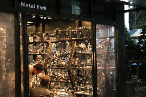 holiday shops  bryant park big time city