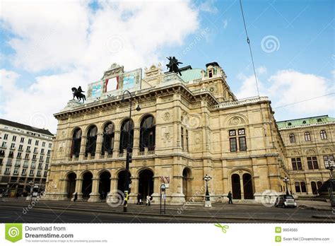 Building With Statues On Top In Vienna Stock Image