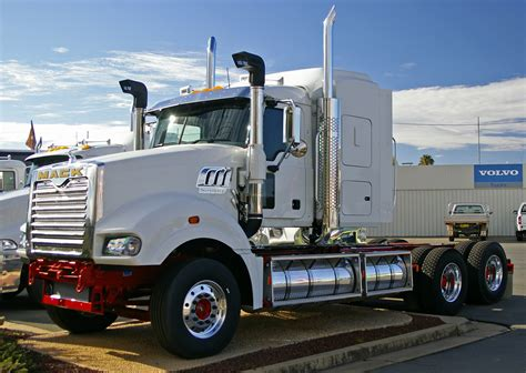 mack super liner tractor construction plant wiki