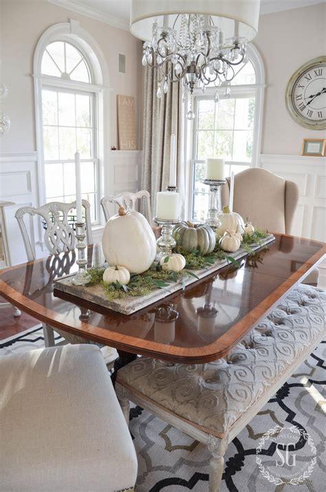 Easy Pumpkin Thanksgiving Table