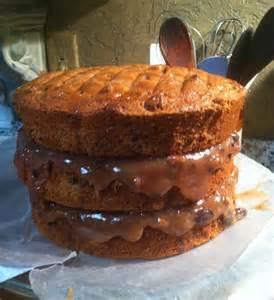 Old-Fashioned Caramel Cake Icing with Jam
