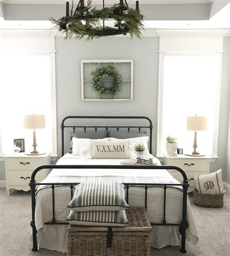 These beautiful farmhouse wall art ideas will help make your home feel cozy and collected, without costing a ton of money. 18 Rustic Wall Art & Decor Ideas That Will Transform Your Home - Craft-Mart