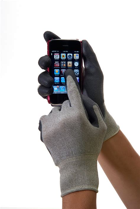 HandMaster ROC5000TM Touchscreen Smart Phone Glove, Medium