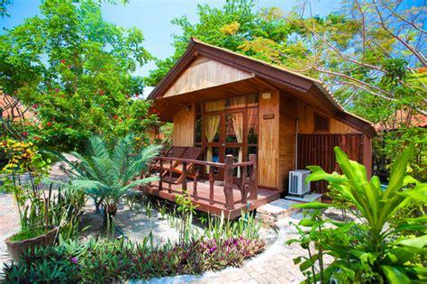 Garden Deluxe Bungalow  Bundhaya Resort  Koh Lipe, Satun