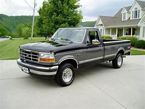 Buy Used 1993 Ford F150 Xlt 4x4    70k Actual Miles