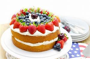 Top 15 Super Enticing and Colorful Fruit Cakes - Page 10 of 16