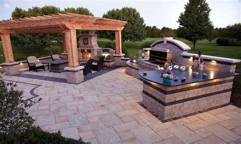 small outdoor kitchen ideas outdoor kitchens pictures designs small outdoor kitchen