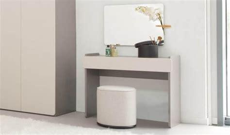 meuble coiffeuse pour chambre meuble coiffeuse pour chambre adulte bois gris design