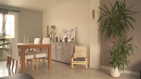 repeindre une chambre en 2 couleurs peinture salle à manger taupe
