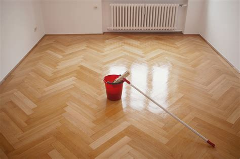 9 things you re doing to ruin your hardwood floors without