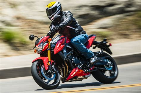 suzuki gsx  review  fast facts