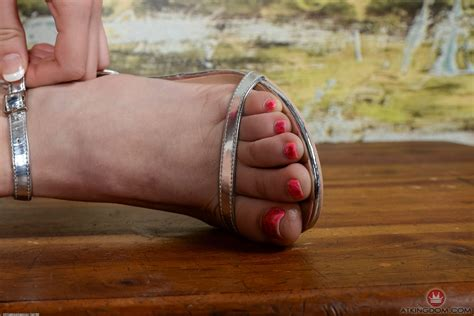 Chloe Coutures Feet