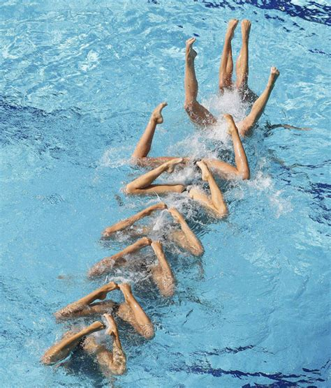 Russia's synchronised swim team WOWS Olympic crowds | Life ...