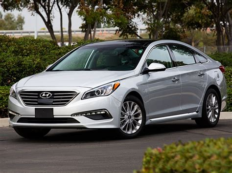 Best New Car Warranties 2015 by 15 Best Family Cars 2015 Hyundai Sonata Kelley Blue Book