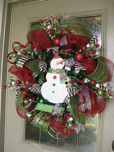 Kristen's Creations: Christmas Mesh Wreath Tutorial!