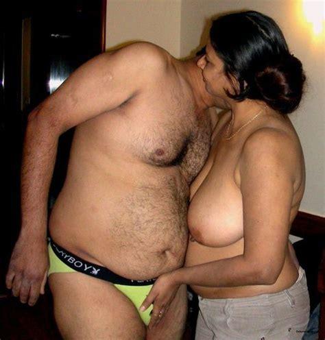 Tamil Fat Aunty Photo Album By Tamil Famil