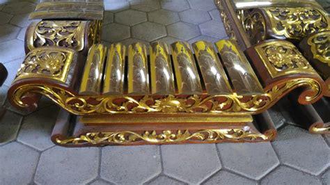 Bisa dikatakan bahwa camilan ini termasuk salah satu yang masih ada meskipun termasuk panganan yang tradisional. 12 Alat Musik Tradisional Jawa Tengah yang Sering Digunakan untuk Gamelan   BukaReview