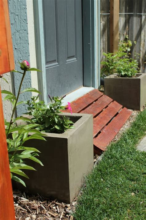 diy planter box ideas   spring  summer