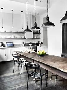 Cuisine Style Industriel Bois : maison renovee new york cuisine style industriel parquet ~ Teatrodelosmanantiales.com Idées de Décoration
