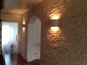 wohnzimmer steinwand verblendsteine wand in steinlook hausbau ein baublog