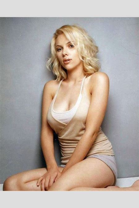 Scarlet Johansson is insanely hot