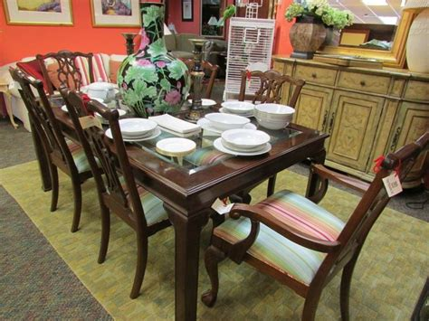 home accessories store in palm gardens is consigning