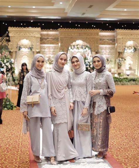 model outfit baju bridesmaid berhijab gaya selebgram