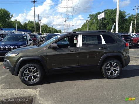 trailhawk jeep green 2014 eco green pearl jeep cherokee trailhawk 4x4 94218729