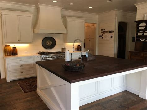 kitchens with white cabinets the 25 best sherwin williams dover white ideas on 8798