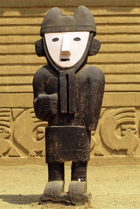 wood box chimu wood figures