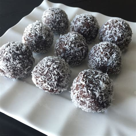 At a whopping 260 calories and nearly 10g of fat, a mars a day won't be too kind to your thighs. Coconut Cocoa Balls are a great treat when you can't kick that sweet tooth. Made with healthy ...
